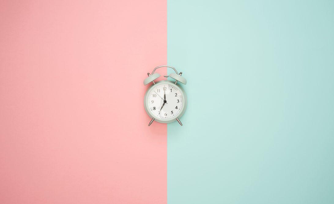 Jak nauczyć się wstawać rano
